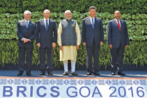 Leaders of the BRICS countries in a joint photographing the beginning of the summit in Goa, 2016